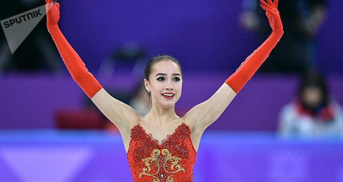 俄花滑选手扎吉托娃获女单冠军 为俄罗斯摘下平昌冬奥首枚金牌