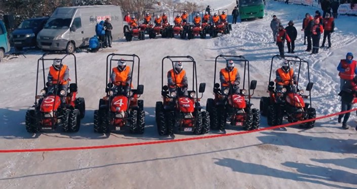 世界首次拖拉機冬季兩項比賽