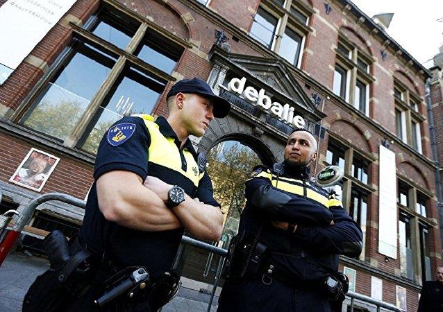 荷兰警方拘捕涉嫌走私4.5吨可卡因嫌疑人