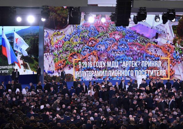 普京:制裁没能遏制俄罗斯军事等领域的发展