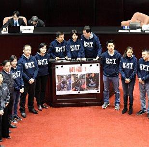 蔡英文经受台湾退伍军人的抗议考验