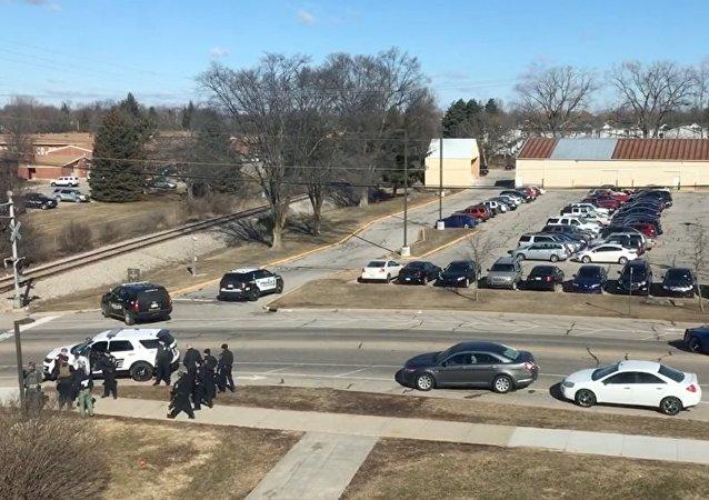 美国中密歇根大学发生枪击事件导致2人死亡