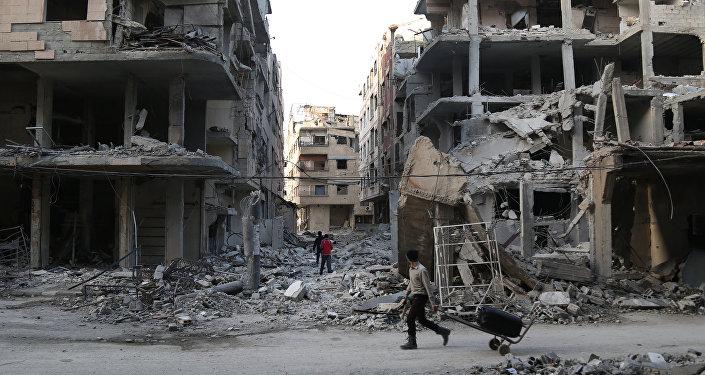 22日上午千余平民撤离东古塔