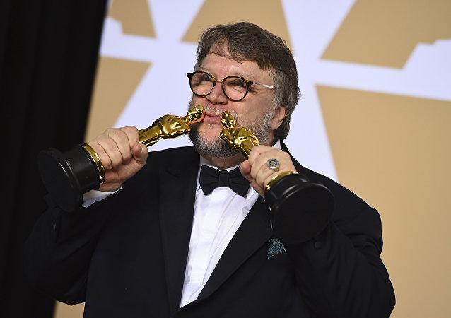 《水形物語》獲得奧斯卡最佳影片獎