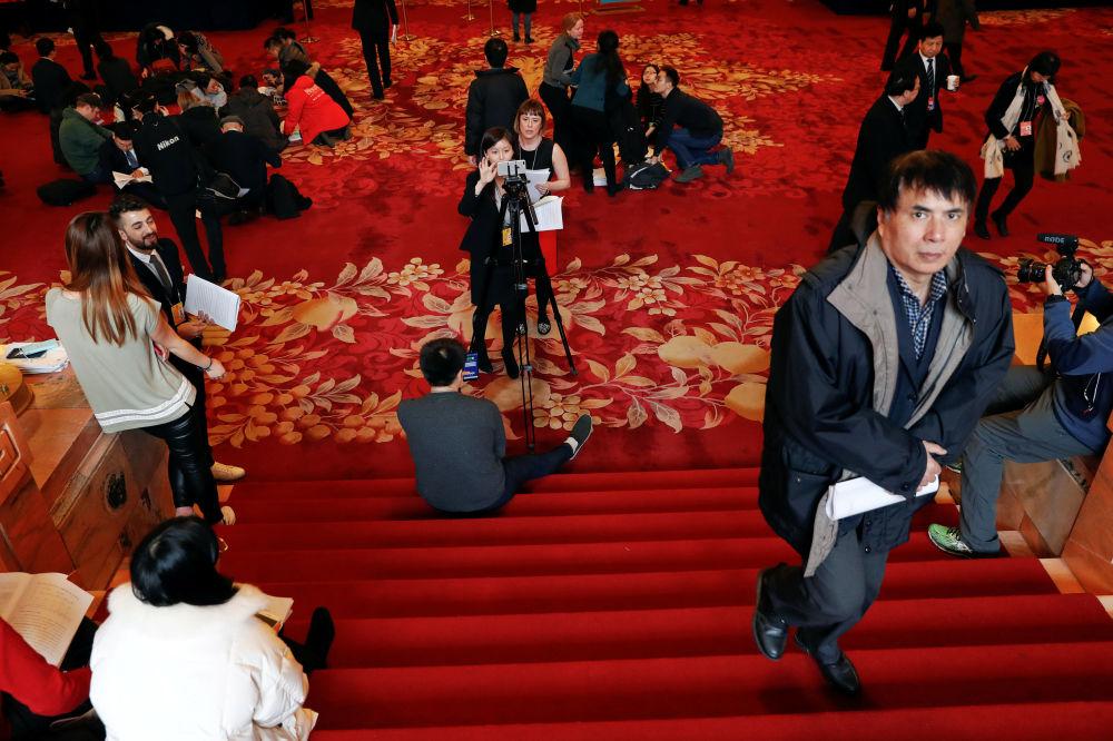 记者在人民大会堂的工作