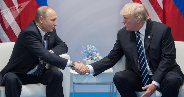 """俄外交消息人士称,最近一次""""普特会""""或在11月亚太经合峰会和G20峰会期间举行"""