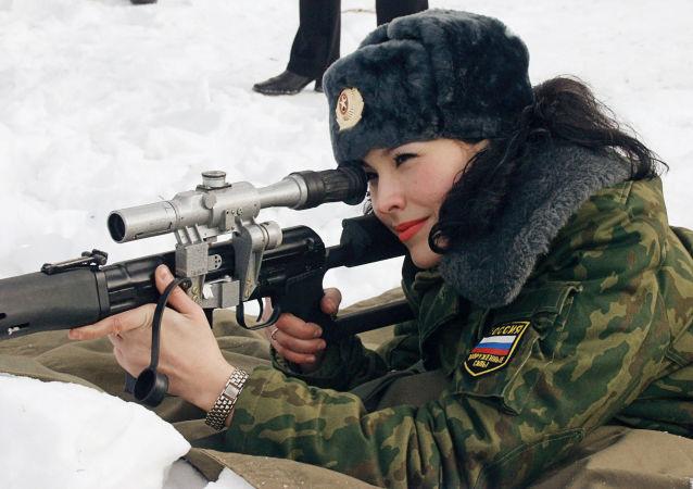 绍伊古讲述军队中有多少女兵