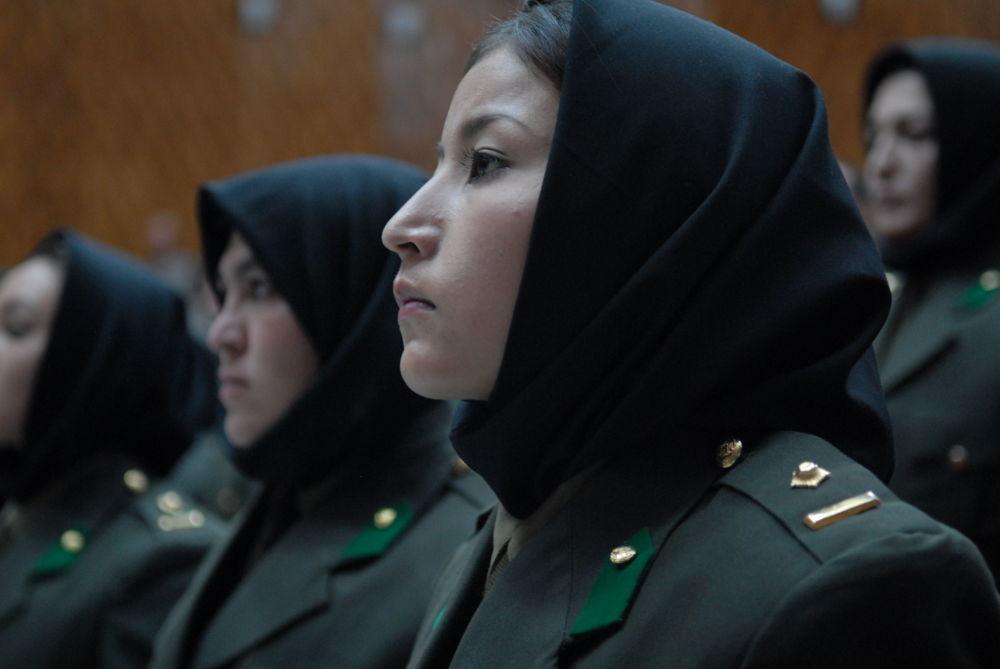 阿富汗女兵畢業生