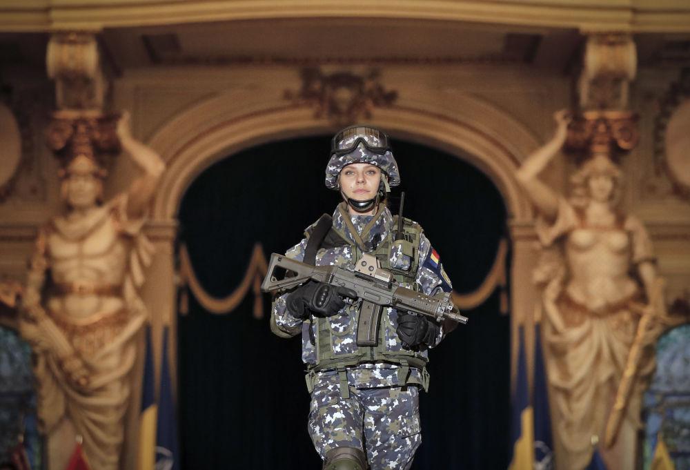 羅馬尼亞女兵