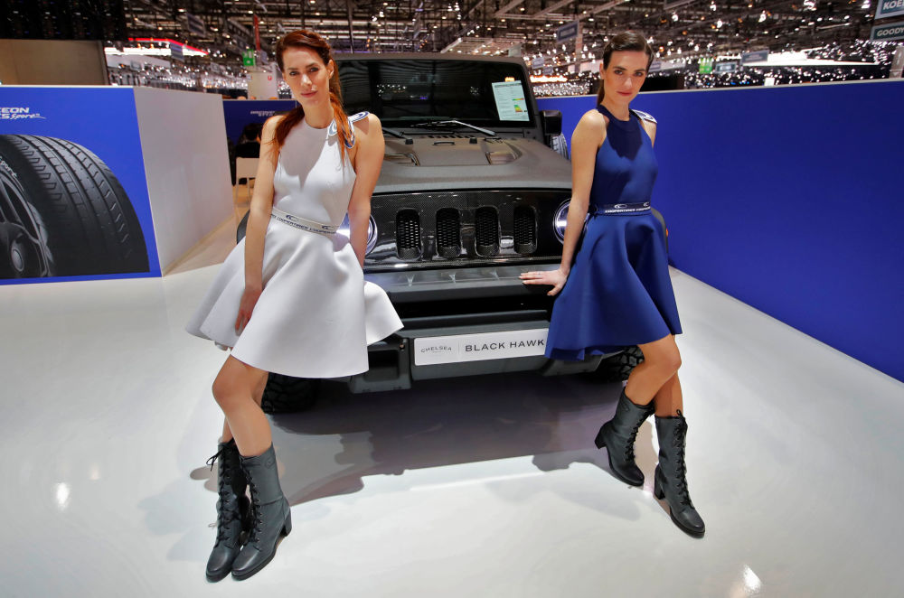 切尔西卡车公司展台的黑鹰汽车模型