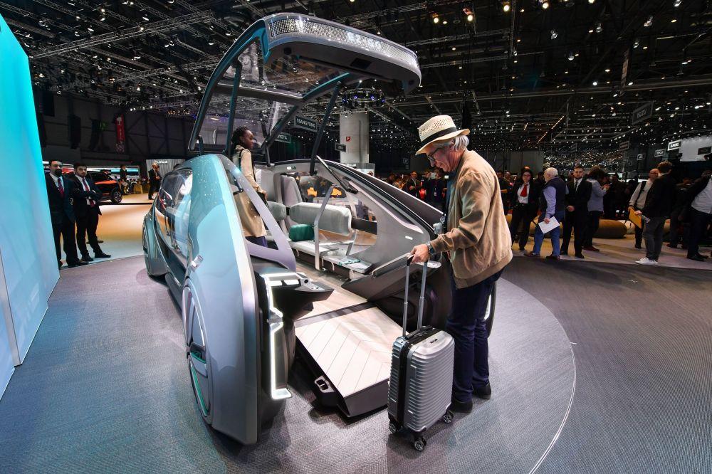 雷諾EZ-GO自動駕駛概念車