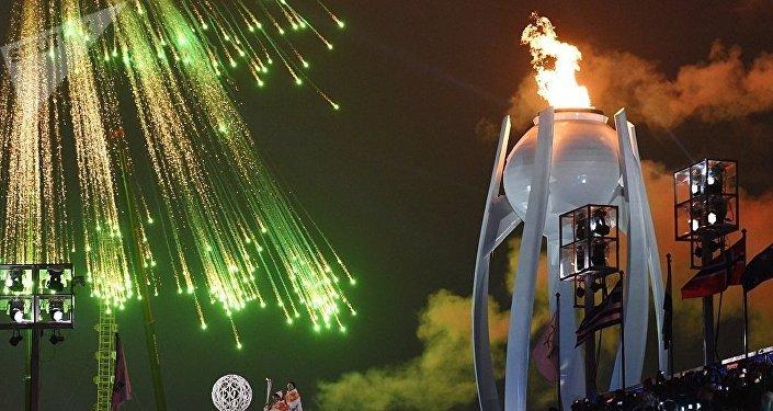 在平昌残奥会开幕式上,在奥林匹克体育场上空燃放了烟花