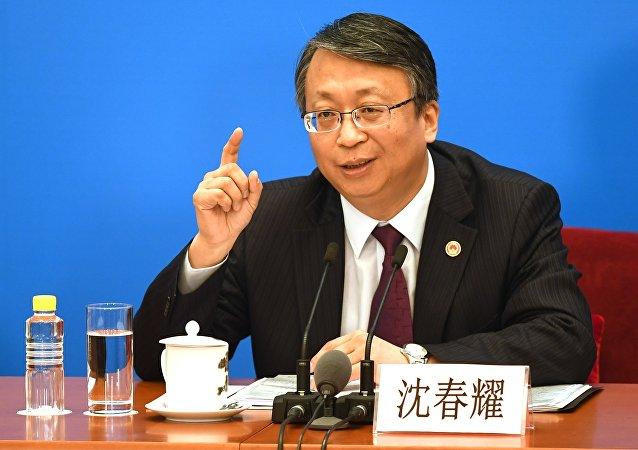 中国十三届全国人大一次会议秘书处法案组组长、全国人大常委会法工委主任沈春耀