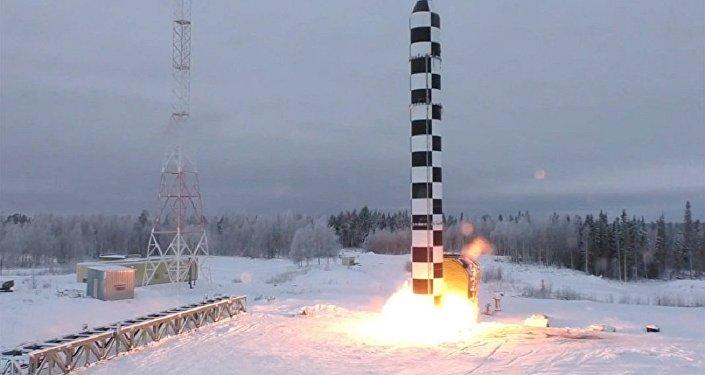 """俄总参谋部介绍""""萨尔马特""""导弹试射准备"""
