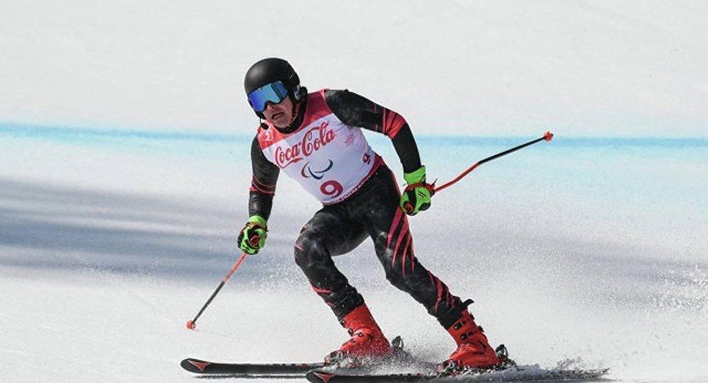 俄罗斯选手布加耶夫获残奥会高山滑雪男子超级大回转冠军