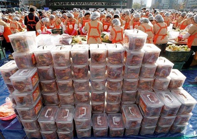 300万卢布伪装成泡菜带入俄罗斯被查