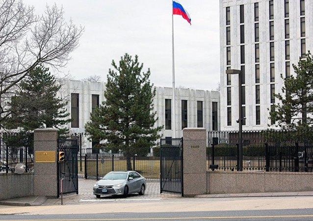 俄驻美使馆:俄方否认媒体有关俄参与对美网络攻击的报道