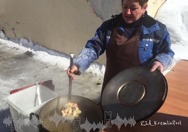 Аромат аппетитной ухи раздается на одном из избирательных участков Петропавловска-Камчатского.