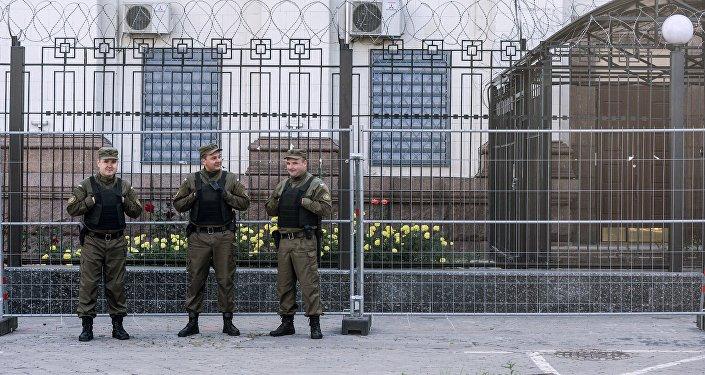 乌克兰警方不允许当地俄公民参加俄大选投票