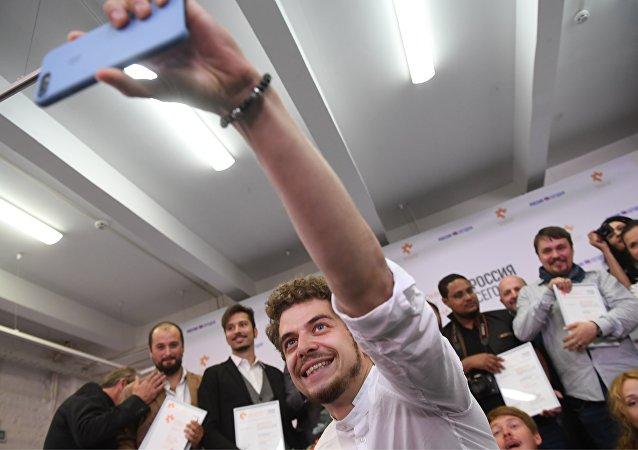 安德烈·斯捷宁国际新闻摄影大赛参赛人数创新高