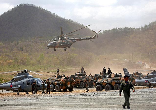 """中国国防部:""""金龙-2018""""中柬两军联训向反恐领域拓展"""