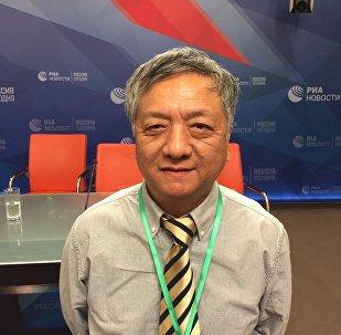 中國觀察員:甚至孱弱老人都重視大選 堅持出門投票