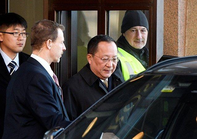 朝鲜外务相李勇浩对斯德哥尔摩进行访问。