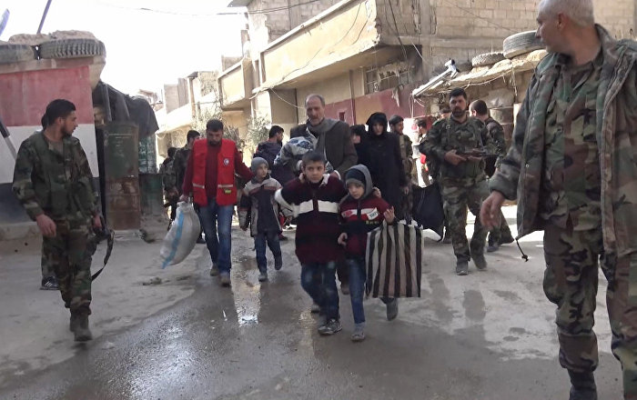叙利亚总统阿萨德在东古塔地区亲自驾车