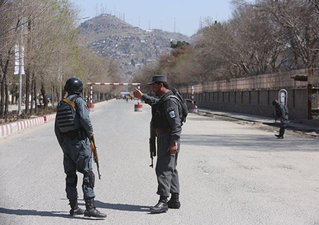 阿富汗警方截获来自巴基斯坦载有10吨爆炸物的卡车