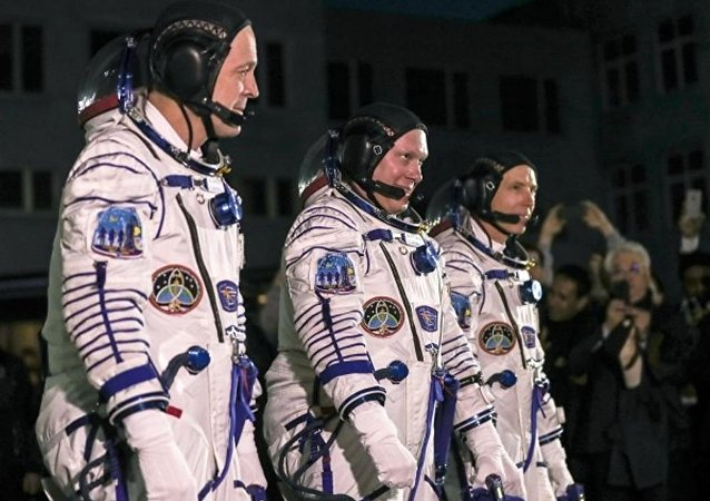 """国际空间站新乘组搭乘""""联盟MS-08""""载人飞船从拜科努尔航天发射场出发"""