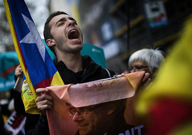 加泰罗尼亚抗议人群