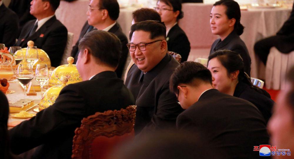 金正恩首次谈及与韩美会谈