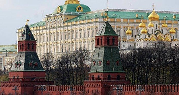 俄不会仓促回应美国制裁