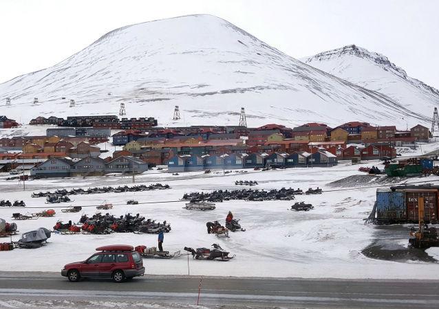 蓬佩奥警告称俄中谋求在北极地区扩大影响力