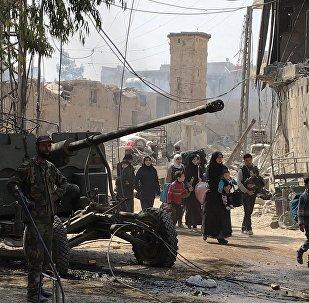 超1200名武装分子及其家人沿叙东古塔人道主义走廊撤离