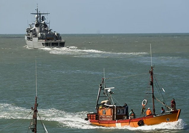 """俄罗斯""""琥珀""""号科考船停止搜寻阿根廷失联潜艇"""