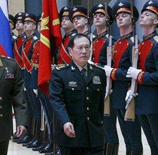 专家:俄中军方探讨如何共同应对美国挑战