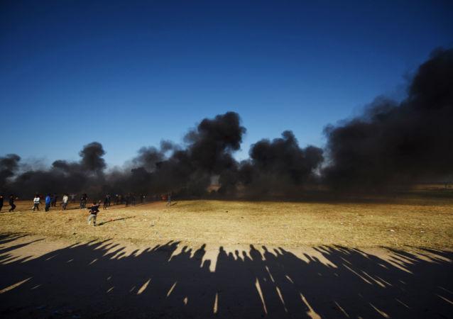 加沙地带巴以军民冲突造成约40名巴人受伤