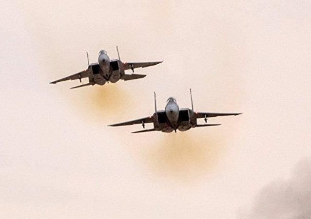 以色列空军袭击加沙地带南部巴勒斯坦武装的两个基地