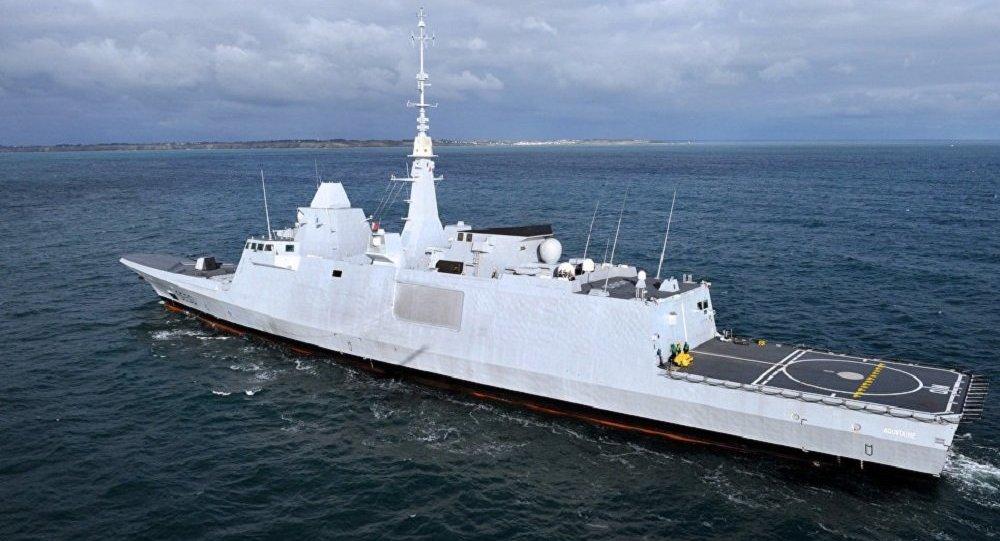 """法国""""阿基坦""""号护卫舰"""