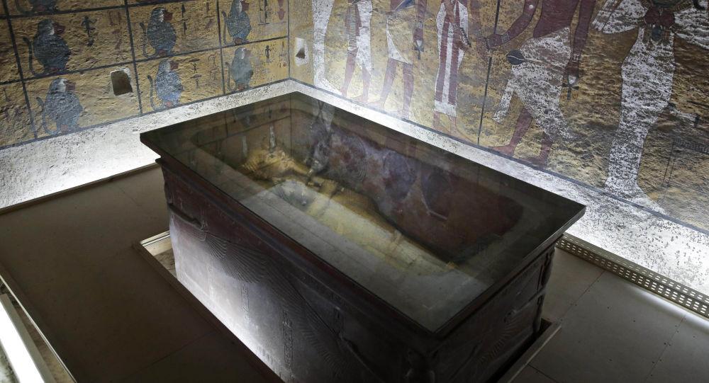 在图坦卡蒙的墓中