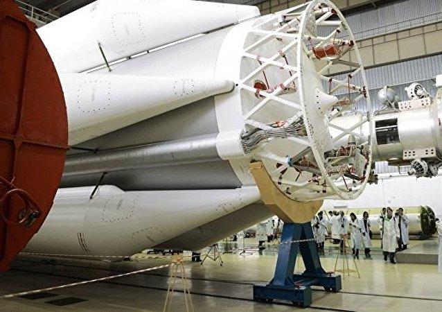 """OneWeb公司或从俄购买11枚""""质子""""号运载火箭"""