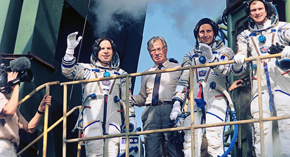 阿夫傑耶夫宇航員:我們必須絕處逢生