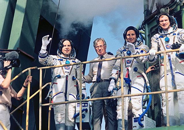 阿夫杰耶夫宇航员:我们必须绝处逢生