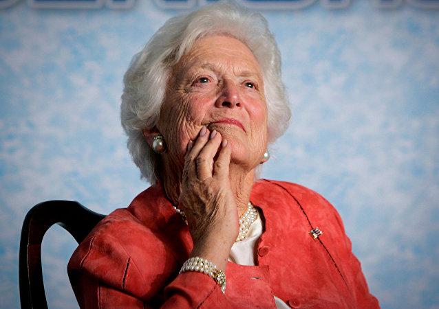 老布什的夫人芭芭拉