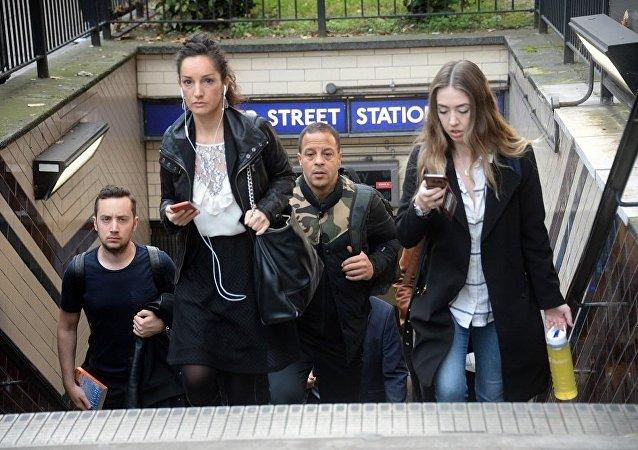 """报告:英国三成""""千禧一代""""将被迫租房度过余生"""