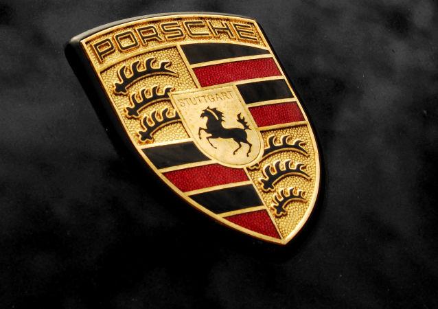 Логотип немецкой автомобильной компании Porsche