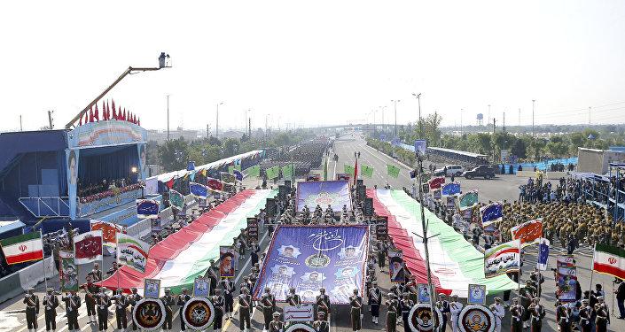 伊朗4月18日在建军节阅兵仪式