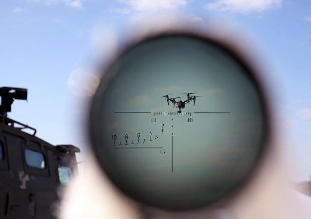 """俄罗斯研制出新型电子对抗武器 可令无人机""""发疯"""""""