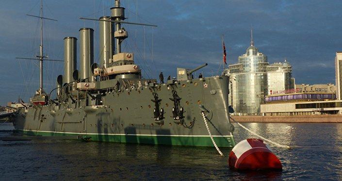 """圣彼得堡的""""阿芙乐尔""""号巡洋舰博物馆"""